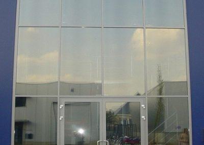 Bedrijfspand met Suntek Window films