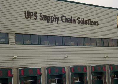 UPS gebouw zonder glasfolie