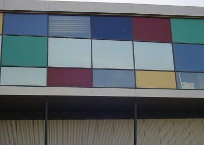 Bedrijfspand in Sneek met kleurfolie