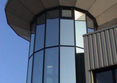 Torentje in Zaandam met spiegelfolie inkijk